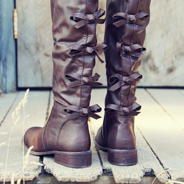 The Bow Back Boots, Sweet Riding Boots from Spool No.72. | Spool No.72