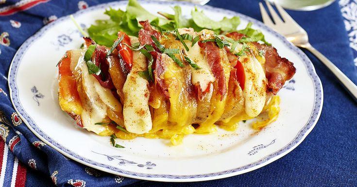 Läcker hasselbackspotatis med bacon och ost