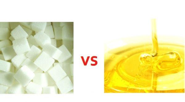Czym zastąpić cukier? Każdego od czasu do czasu nachodzi ochota na coś słodkiego. Słodkie nie zawsze musi oznaczać niezdrowe. Czym posłodzić swoje desery? Co zamiast cukru? Więcej na: https://www.fitomento.com/wiedza/zdrowe-zamienniki