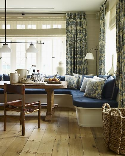 Window seat and dining table blue white pinterest for Window seat dining