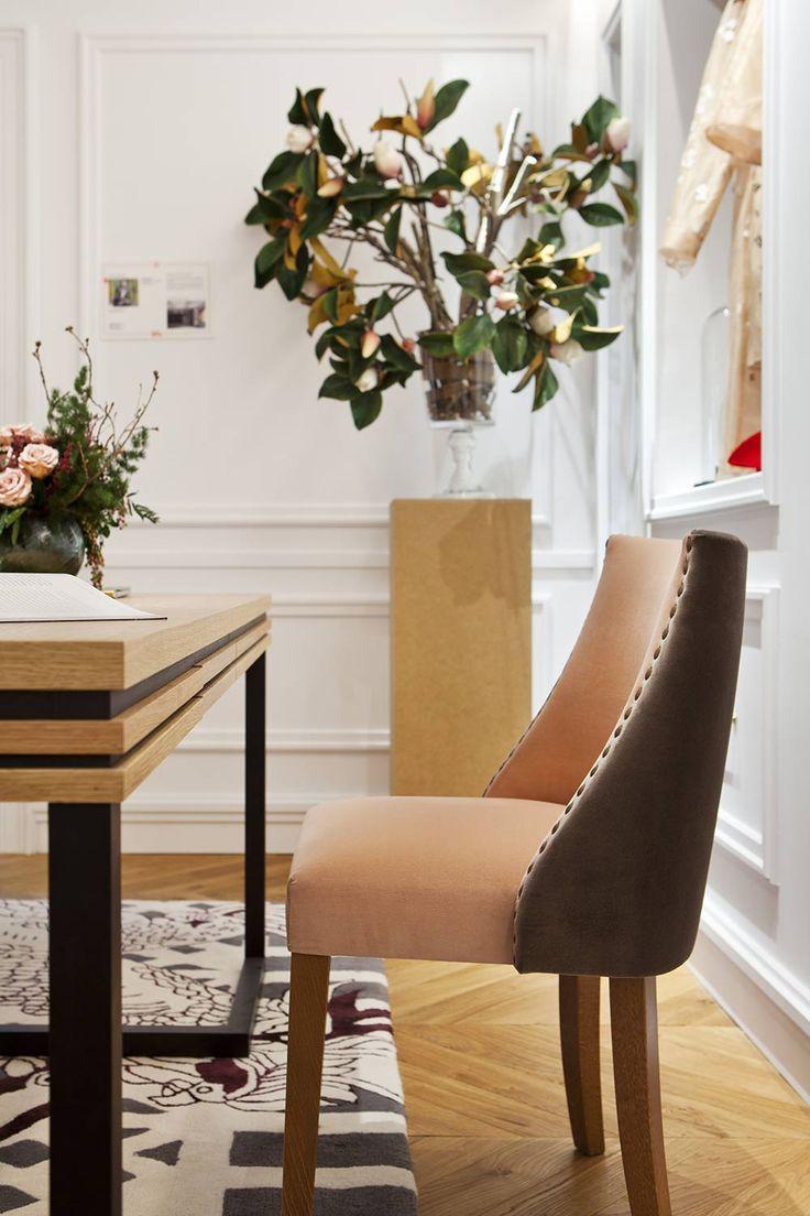 Se eligieron muebles de maderas nobles para crear un espacio sobrio. #details #interiordesign #wood #design #arquitectura #office #room #homedecor