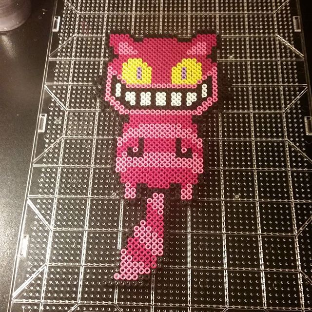 Cheshire cat perler beads by trixiebeard Más