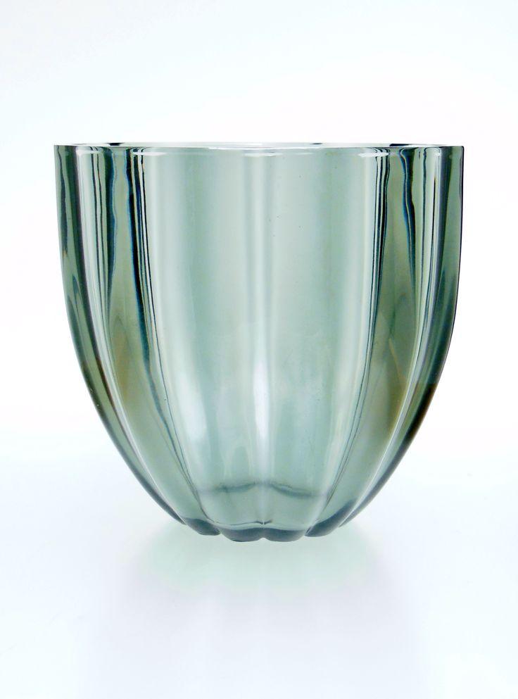 Vase Design by WILHELM WAGENFELD for VLG Glass Factory >Vereinigte Lausitzer Glaswerke Weißwasser < 1936