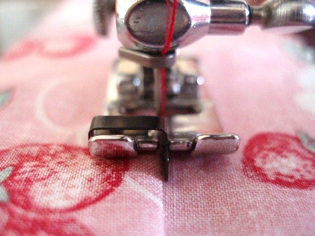 stitch in the ditch foot for singer sewing machine