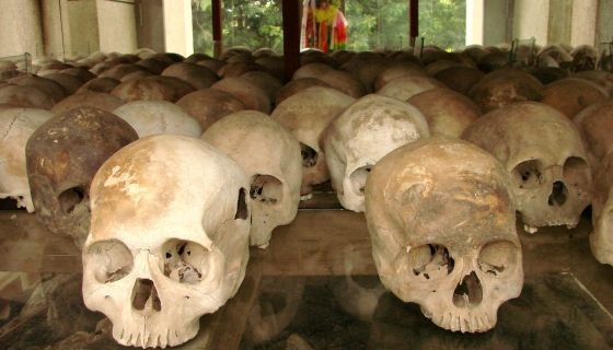 Implicados altos rangos militares de Tailandia en el tráfico ilegal de inmigrantes tras el descubrimiento de múltiples fosas comunes al sur del país #Rohingya   #Tailandia   #Migración   #TráficoPersonas