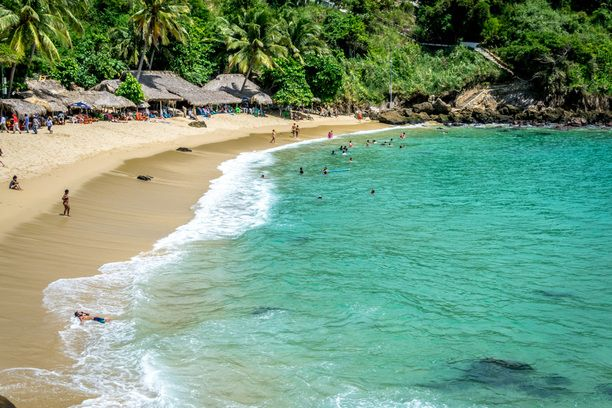 Playa Carrizalillo, Puerto Escondido, Mexico — by Sergio Camalich. The beautiful beach of Carrizalillo, near Puerto Escondido.