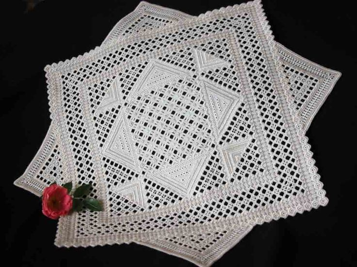 HARDANGER - Triangles & Quadrangles ~ embroidered on 32 count Antique Ivory Belfast with DMC No 8 colour 712, DMC No 12 écru and Anchor Fiorentino No 8 colour 388.  It is 41 cm by 41 cm, measured over the corners.  Design and execution of this hardanger embroidery took me 102 hours (blog article includes many more detailed photos) ~ by Yolande of Fils et Aiguilles... une Passion
