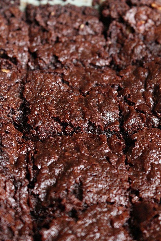 Alltså denna brownie! Herre så god! Ett krispigt täcke ovanpå o härligt seg inuti med en lagom chokladsmak. Om man inte vill ha mjölkfria produkter så går det bra att byta ut mot produkter som innehål