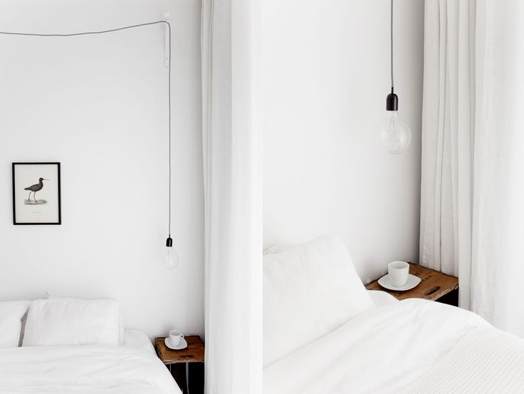 minimal and graphic bedroom. photo Jakob Nylund
