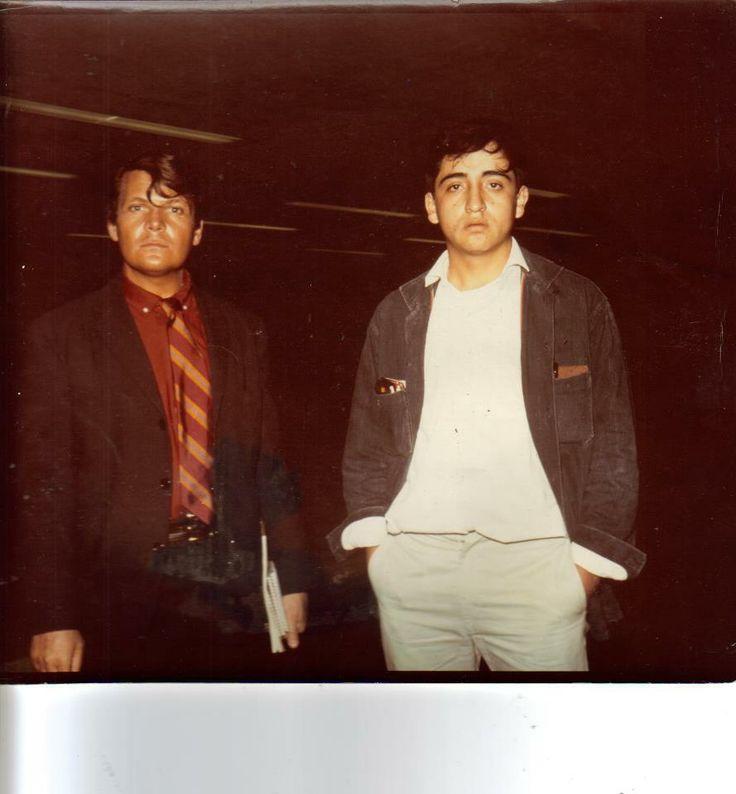 con Jose Luis cuevas.......tiene 45 años que no la tomaron en el Muca de ciudad universitaria.