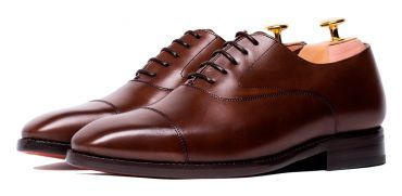 Brown Oxford shoes for men, Oxford shoes for any type of men, dress shoes, elegant shoes, shoes with style, stylish shoes, shoes for any occasion, comfortable shoes