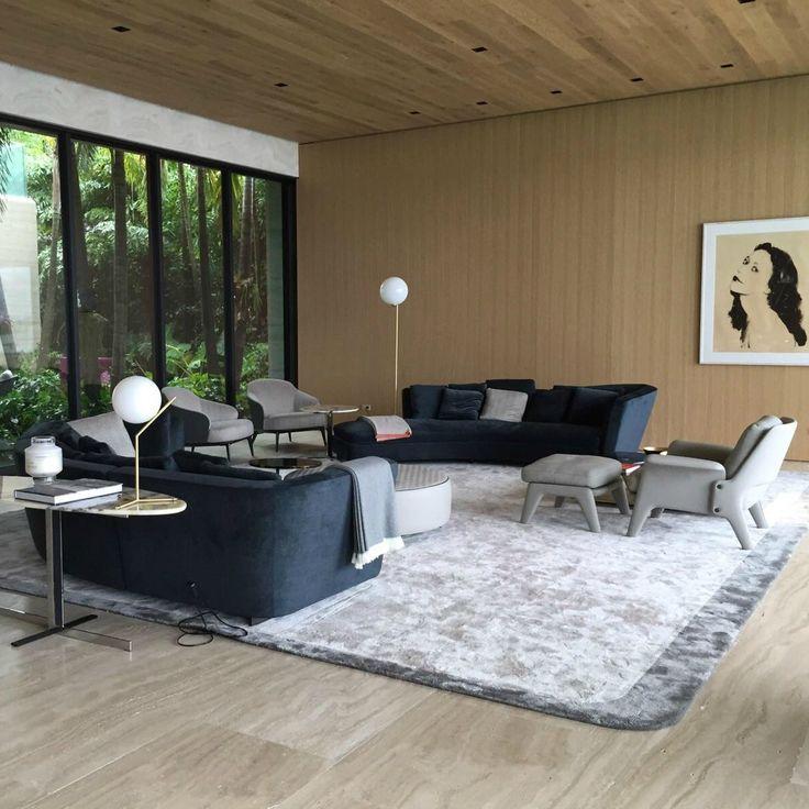 http://leemwonen.nl/2015/12/interieur-i-binnenkijken-minotti-meets-james-bond-in-kapitale-villa-in-florida/ #minotti #furniture #meubelen #interior #interieur #italy #design #miami