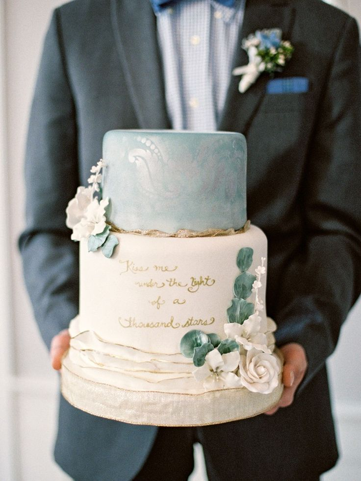 Heaven;y Blue & Gold Painted Wedding Cake // Photography ~ Live View Studios