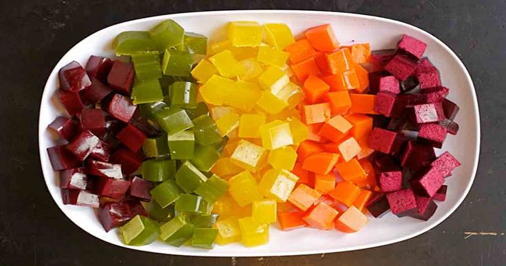 Domácí želé bonbóny z ovocné šťávy a bez přidaného cukru