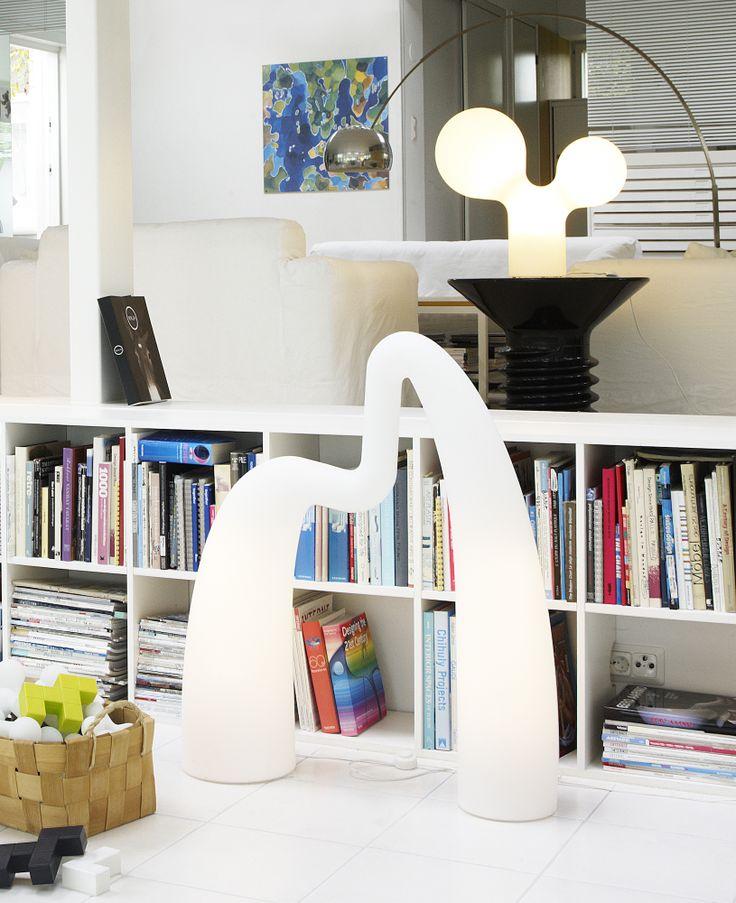 Studio Eero Aarnio – Flamingo on yhtä aikaa veistos ja valaisin. #habitare2014 #design #sisustus #messut #helsinki #messukeskus