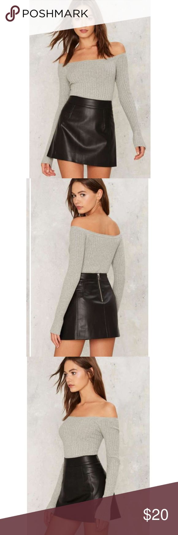 🔥🔥🔥 Black leather a-line skirt 🔥🔥🔥 Great girly but edgy skirt ❤ good condition Hollister Skirts A-Line or Full