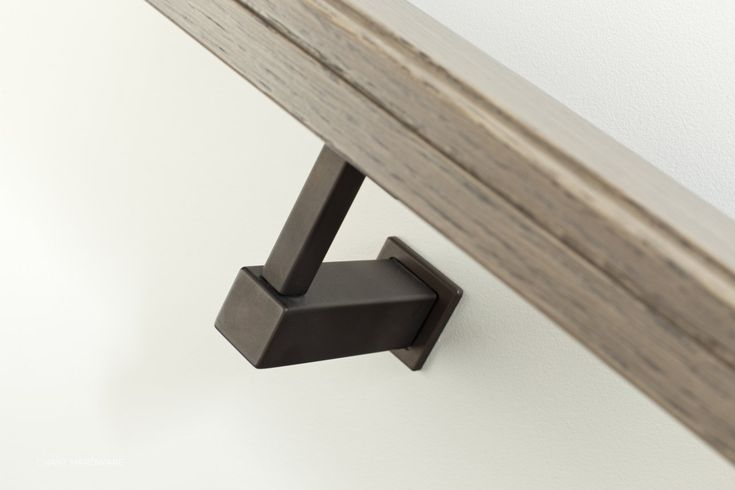 Line Handrail Support