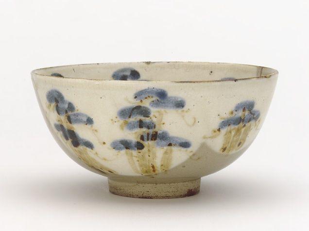 Ogata Kenzan (1663-1743) - Pine Trees Tea Bowl. Glazed Pottery Edo Period, Circa Late-17 to Early-18th Centuries.
