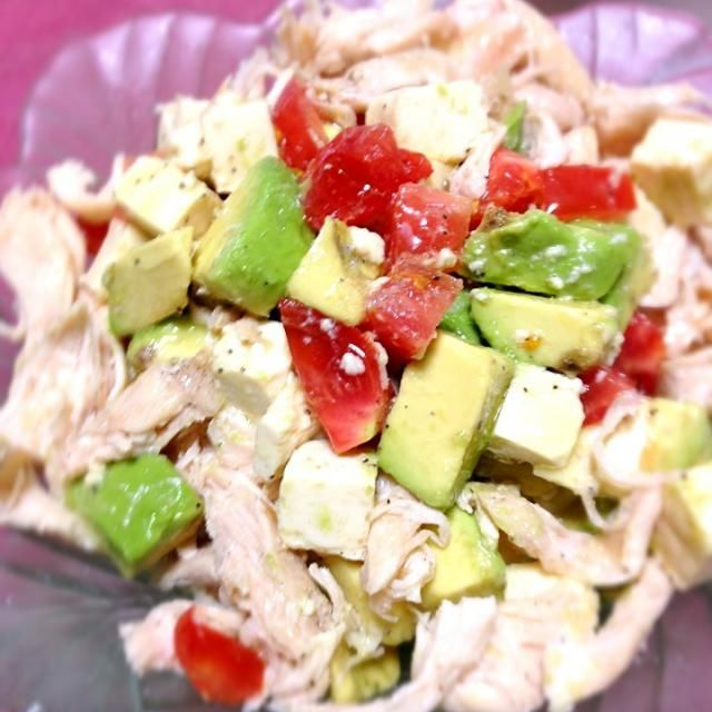 簡単なサラダで、アッサリと食べられますよ - 6件のもぐもぐ - アボカド&トマト&豆腐&鶏ささみのイタリアンサラダ by smilemiki