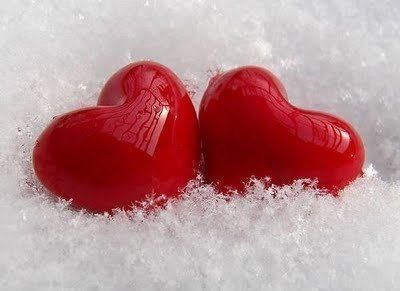 Самые долгие отношения у тех, кто встретился зимой. Если ты понравилась ему в толстом свитере, неуклюжем пуховике, дурацкой шапке и с красным носом — это любовь! @LookAndBuyCom                 #lookandbuycom #L&B #love #производитеьодежды #поставщикодежды #интернетмагазин #женскаяодежда оптом #дропшиппинг