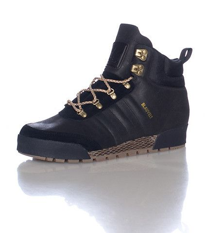 adidas Mid top skateboarding boot Lace up closure adidas BLAUVELT logo on side Fold over oversized tongue Cushioned inner sole for comfort Rubber outsole
