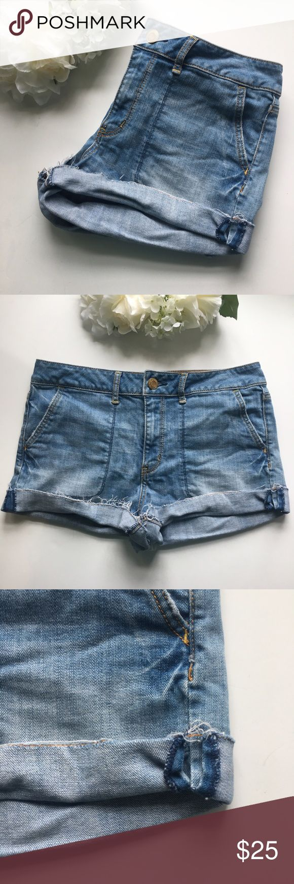 """American Eagle // Rolled Cuff Mid Rise Jean Shorts Pull on some curt off jeans from American Eagle Outfitters. Light wash. Mid rise 10"""". Big front pockets. Can be unrolled for longer length, 4"""" inseam. In great condition, small flaw on the left leg, the seam is coming undone.   Measurements (approx): Waist 34"""" Hips 36"""" Length 12"""" uncuffed Rise 10""""  Love item, but not the price? Make an offer through the offer button or bundle your likes for a private discount! American Eagle Outfitters…"""
