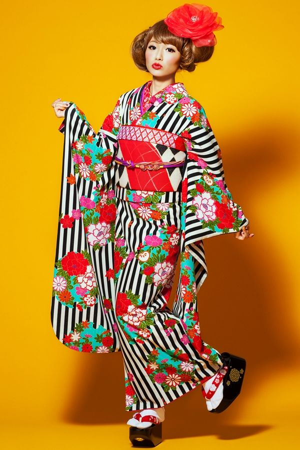 """These are """"retro"""" furisode (young women's kimono) from a """"kimono princess"""" collection sold by kimono shop Takazen: super cute!"""