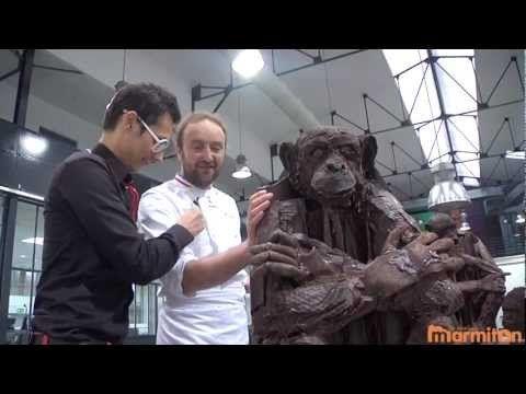 Chocolat : Patrick Roger dévoile ses sculptures... de singe en chocolat !