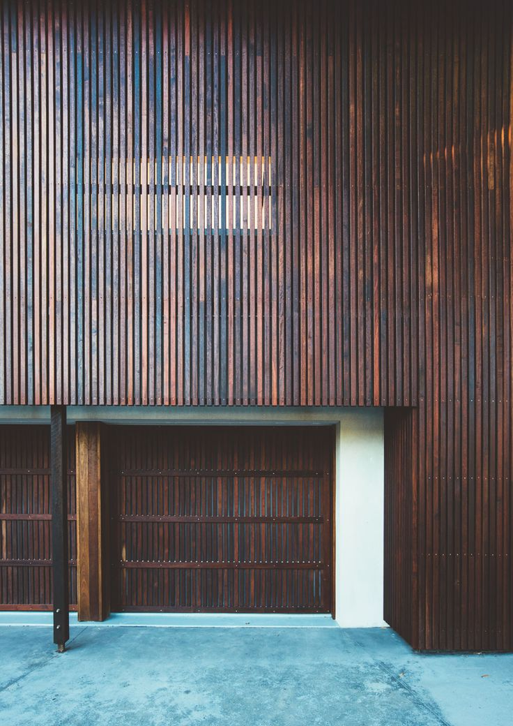 Timber batten facade at Sunday House by Teeland Architects (via Lunchbox Architect)