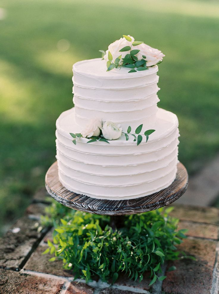 two tier wedding cake white lovely two tier wedding cake just the right size http 21374