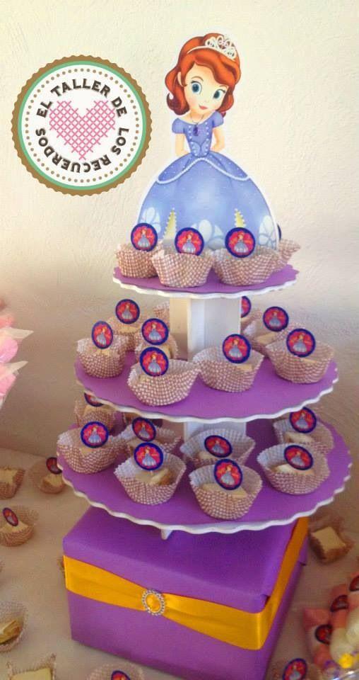 Mesa de dulces y fruta para 150 personas PRINCESITA SOFÍA