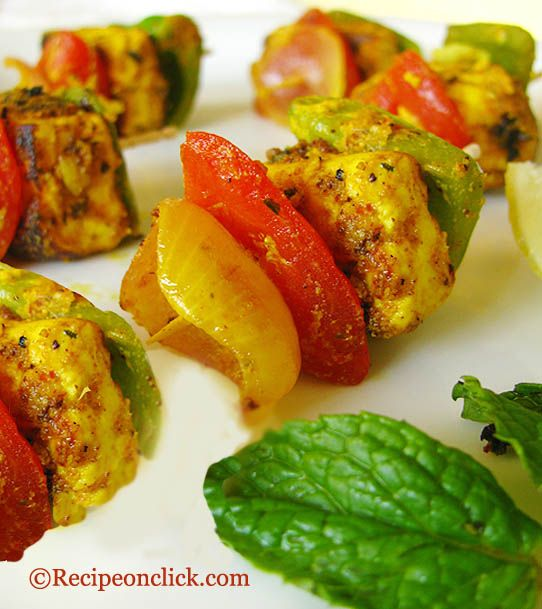 Paneer Tikka (http://recipeonclick.com/2011/02/paneer-tikka-without-tandoor-or-oven/): Recipe Yummy, Tikka Cottage, Tikka Recipe, Shernaz Recipes, Cottage Cheese, Paneer Tikka, Indian Food, Favorite Recipes, Paneer Recipes