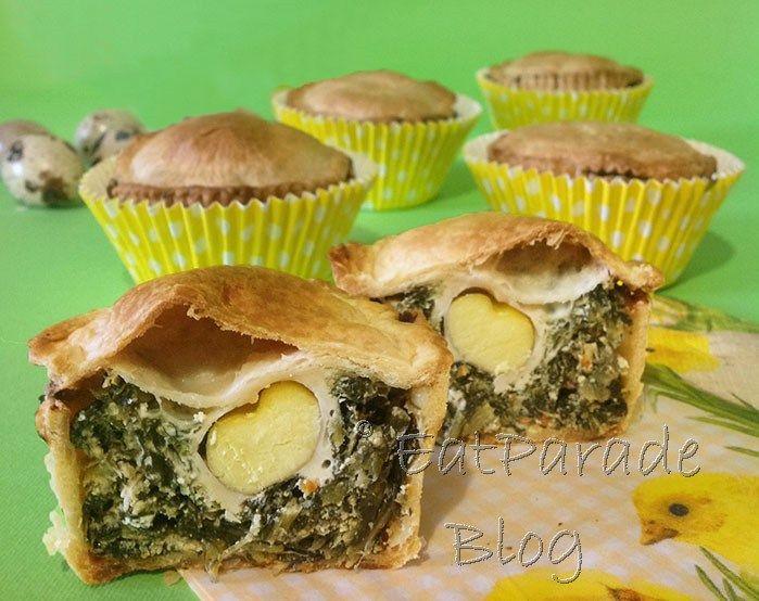 La torta pasqualina è immancabile nei cestini da picnic per la pasquetta. Ancora più comoda e pratica se preparata in monoporzioni, con uova di quaglia.