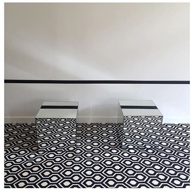 Our Hex Black & White reflecting in these mirrored side tables are spellbinding. It seems like the pattern goes on forever. Our runner has been fully fitted as a carpet to create a splendid geometric floorcovering.