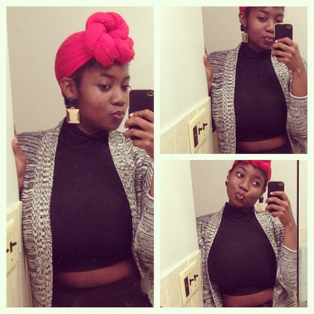 tyratakesatumble:  Trying to be cute, but I had a bird moment. Whatever… #happyholidays #merrychristmas #turban  (at Far away from home…)  w...