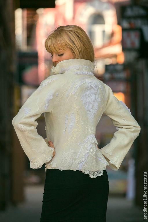 """Купить Жакет """"Elegante bianco-2"""", валяние, одежда из войлока, нунофелтинг - белый, жакет из войлока"""