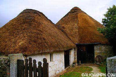 Celeiros em Piornedo, em Lugo, região de Ancares, Galícia, Espanha.