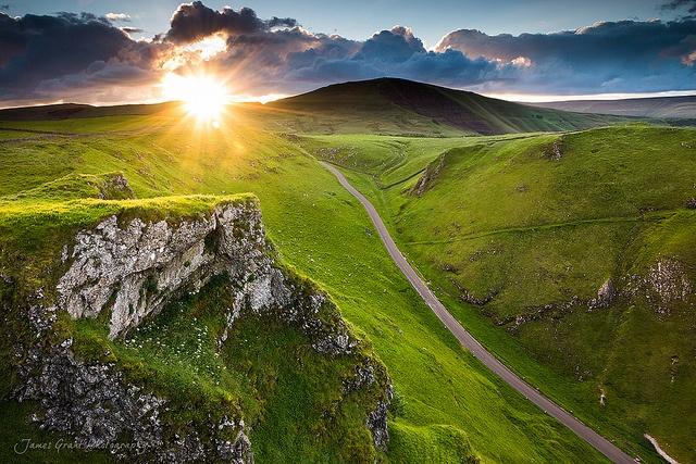 Winnats Pass > Derbyshire > England > Great Britain > United Kingdom > Europe / james grant