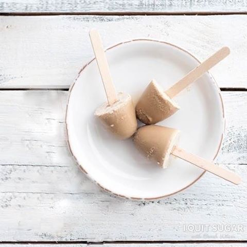 Eggnog is BIG in the U.S. and the UK, but not so much in Aus. So we thought we'd put a little southern hemisphere twist on the ol' eggnog tradition. Eggnog pops for everyone!