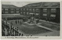 Alexanderkazerne binnenplaats 1939.  Beeldbank Haags Gemeentearchief - Resultaat