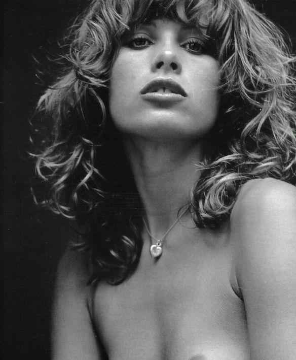 11. Uschi ObermaierUschi Obermaier: Obermaier foi uma modelo alemã que tinha conhecida ligação com o grupo Baader-Meinhof. Em 1975, ela viajou para os Stones numa turnê, tendo casos com Jagger e Richards
