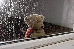 Resultado de imagem para chuva na janela vento no portão