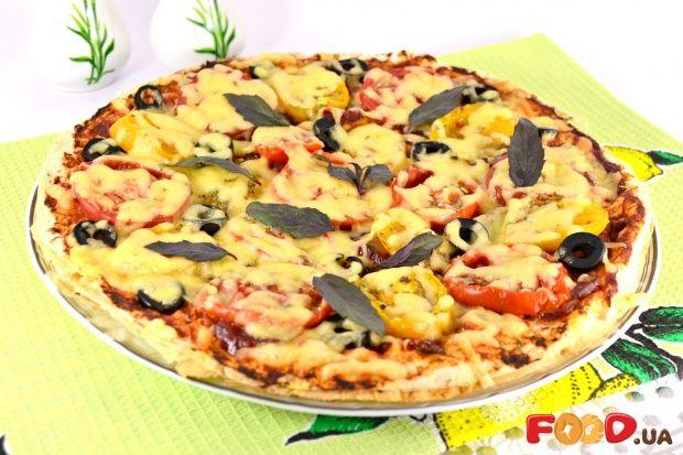 Пицца из лаваша с сыровяленой колбасой
