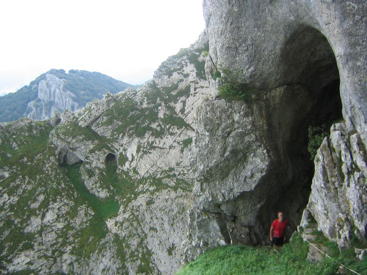 """Cueva de Mari entrada 1"". Licensed under Public Domain via Wikimedia Commons - https://commons.wikimedia.org/wiki/File:Cueva_de_Mari_entrada_1.JPG#/media/File:Cueva_de_Mari_entrada_1.JPG"