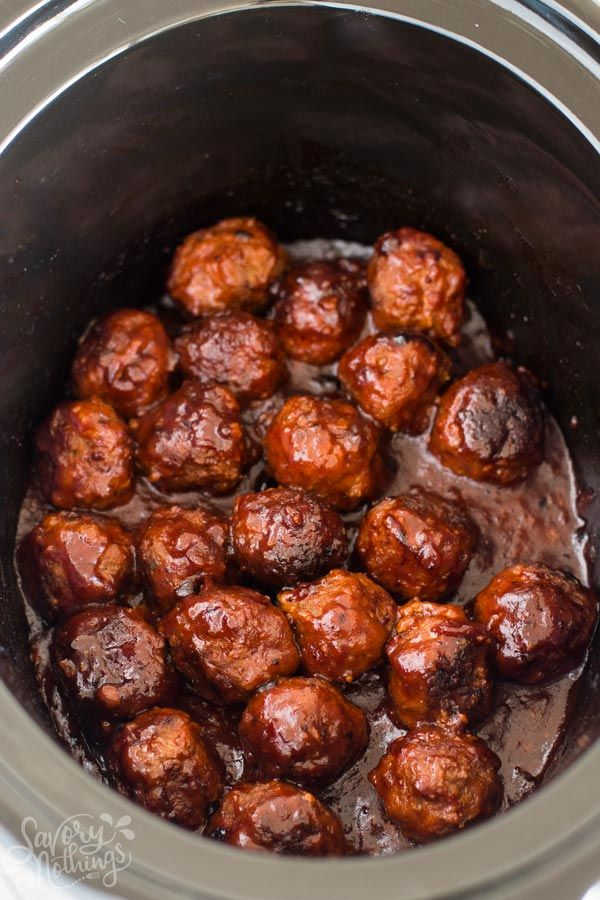 Easy homemade meatballs cooked in a delicious BBQ Sauce in the crockpot. They are a great appetizer for your next holiday party and they are perfect for Football Sunday or the Super Bowl as mini sliders. Serve them with mashed potatoes or rice as a simple dinner for families. Made with beef, breadcrumbs, seasoning and barbecue sauce. The best of comfort foods for fall and winter. Because winter is coming.