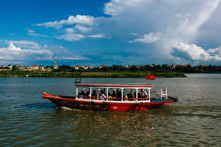 Arrive at your riverside wedding venue by boat. A great way for guests to experience Hoi An. #HoiAnEventsWeddings #HoiAn