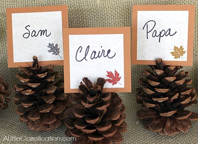 Printable Thanksgiving Place Cards... I would Glitter the Pinecones!