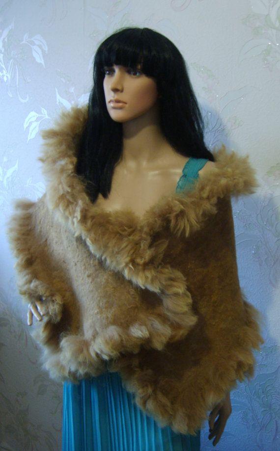 Gefilzte Schal gestohlen  braun grau Rohwolle von YuliasFeltworld