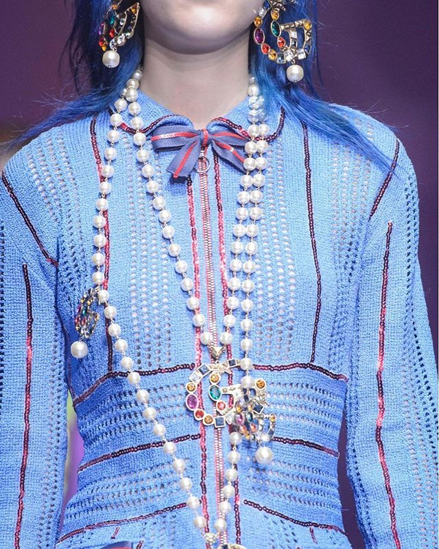 MODE. Magiska detaljer på Gucci SS18 i Milano.  Vi listar de bästa looksen från visningen. #ellesverige #ss18  via ELLE SWEDEN MAGAZINE OFFICIAL INSTAGRAM - Fashion Campaigns  Haute Couture  Advertising  Editorial Photography  Magazine Cover Designs  Supermodels  Runway Models