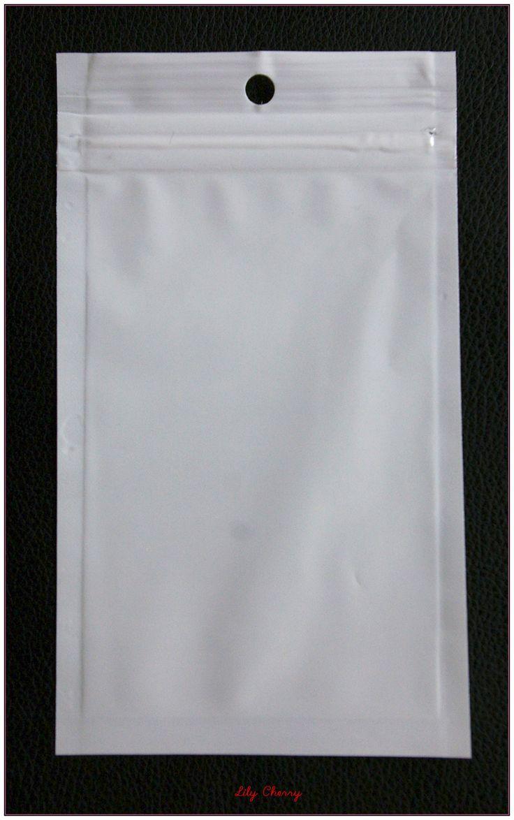 Petit sachet pochette plastique zip refermable 14cm x 8cm transparente et blanche x1 : Emballages, paquets cadeaux par lilycherry